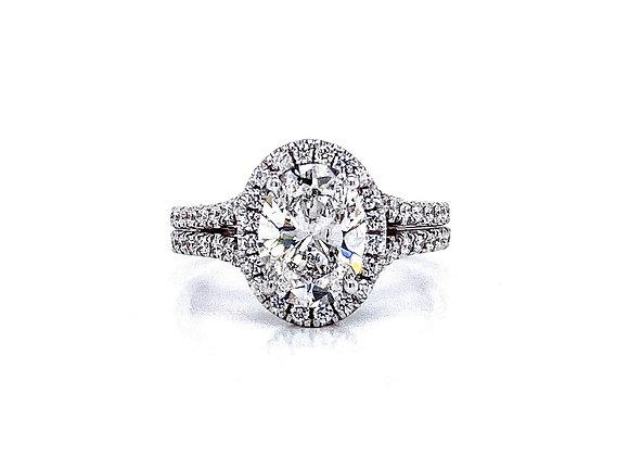 18kt White Gold Ladies 1.51ct Oval Diamond Halo Ring
