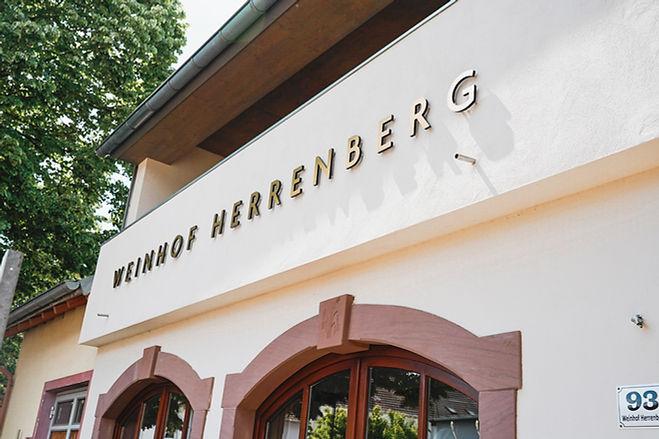 Herrenhof_web_JulaJacob-36.JPG