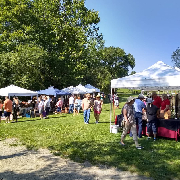 Peninsula Flea at Heritage Farms