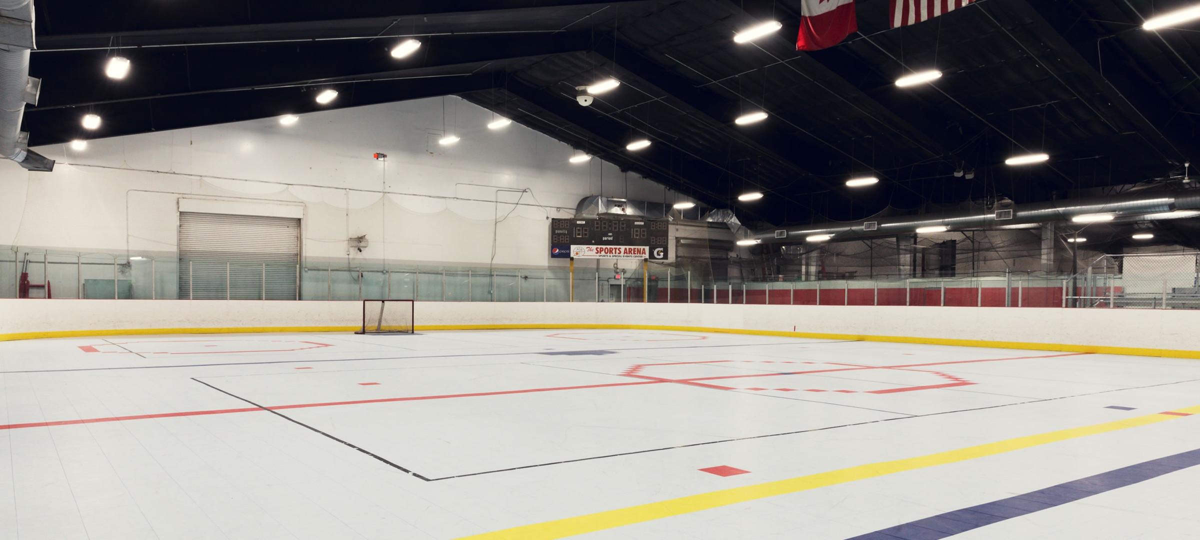 facilities-hockey-rink-06_2600_1170_s_c1