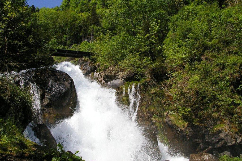 berghotel-obersee Wasserfall.jpg