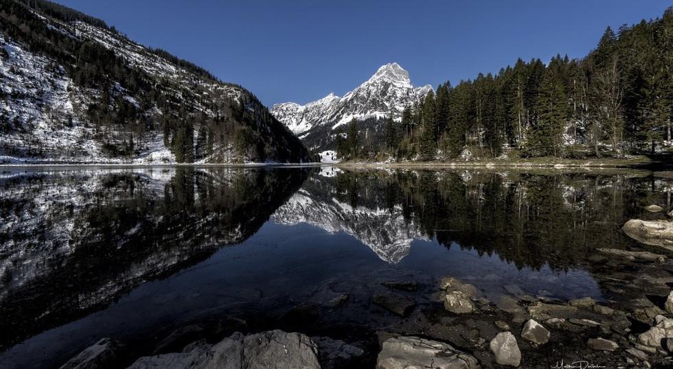 Bergsicht Obersee winterlich