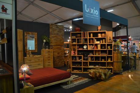 Arredo interno design mobili legno.JPG