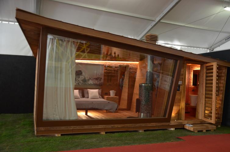 Zani housing casa arredamento design leg