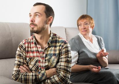 Geschwisterkonflikt, Mutter leidet, Vermitteln in der Familie, Streit in der Familie, Streit klären