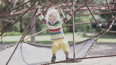 """""""Warum schubsen kleine Kinder auf dem Spielplatz grundlos andere?"""""""