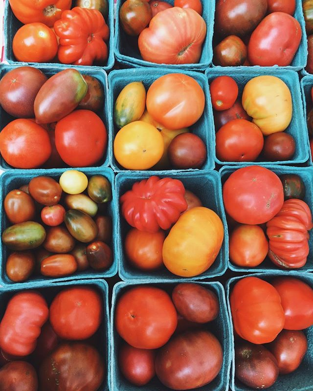 Heirloom mix🍅#pentictonfarmersmarket #heirlooms #organic #honestfood
