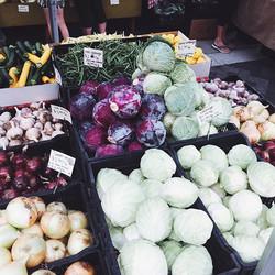 Summer market colours😍🍑🍅🌻