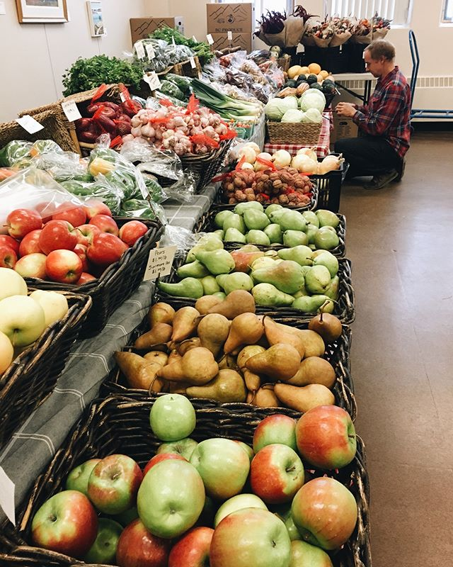 Indoor market _theshatfordcentre🍎🥕🥦🌈
