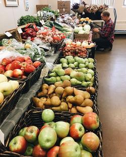 Indoor market _theshatfordcentre🍎🥕🥦🌈