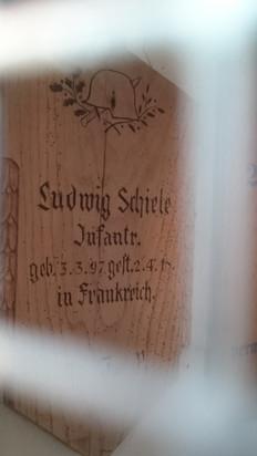 Gedenktafel für Ludwig Schiele in der Hamlarer Albanuskapelle