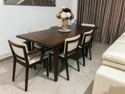 Extendable table Seville + Posh armchairs