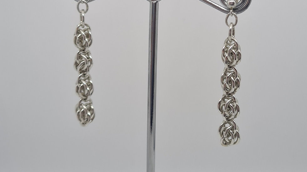 Sweetpea chainmaille earrings