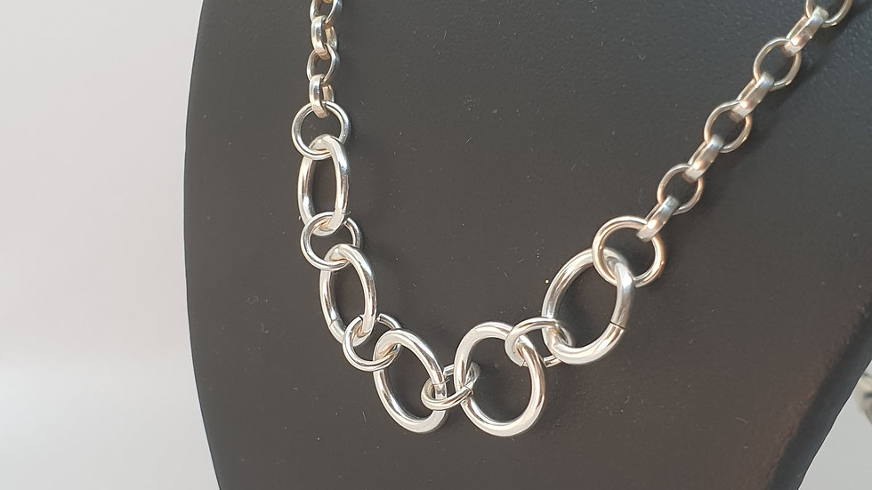 Sterling silver 5 ring necklace
