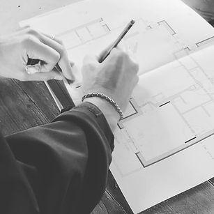 Il serramento deve essere ben progettato anche per ottenere degli ottimi risultati energetici. Poniamo molta attenzione alle caratteristiche e prestazioni del serramento. Produciamo serramenti in legno a Padova e posiamo su tutta Vicenza.