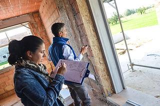 Ci occupiamo personalmente del rilievo misure in cantiere, così da rilevare tutte le informazioni necessarie per la corretta realizzazione del serramento. Produciamo serramenti in legno e posiamo su Padova e Vicenza