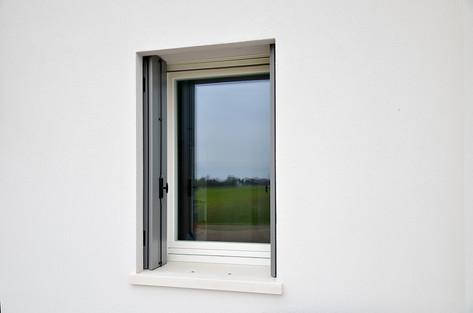 Vista esterna finestra Clima92 con scuro