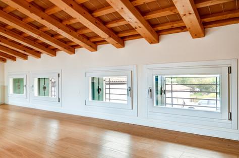 Finestre in legno laccate bianco