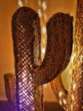 Déco maison - lampe cactus en paille