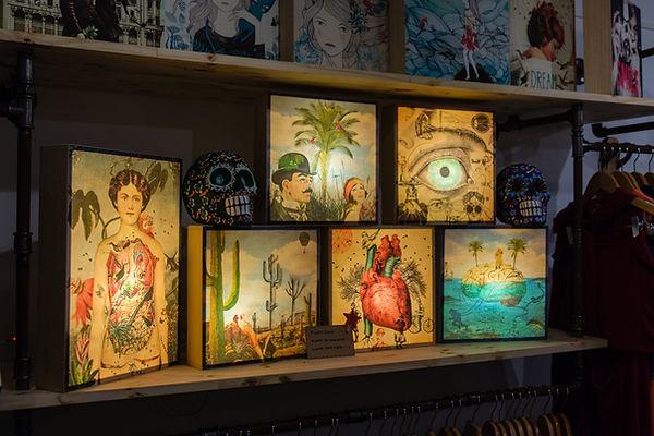 idée cadeau Marseille - Boites lumineuses - Lightbox Cabinet de curiosité - idee cadeau homme