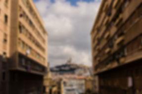 Le Barjac Marseille - Vue terrasse sur Notre Dame de La Garde - Place de Lenche - Le Panier de Marseille
