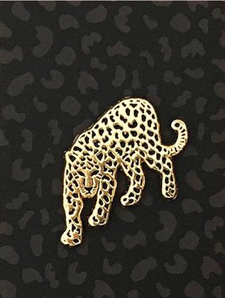 Pin's Leopard - Pins chic noir et doré sur carton moucheté guepard.
