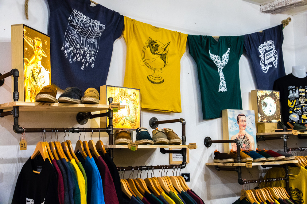 T-shirts pour homme à Marseille - Concept store Trois Fenêtres