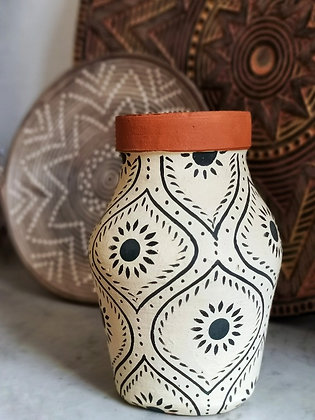 Vase en terre cuite berbère Madam Stoltz - Fabrication artisanale - Décoration Marseille - Trois Fenêtres