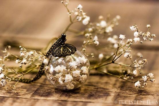 Collier pendentif de fleurs - Bijoux à Marseille - Idée cadeau Noel pour femme