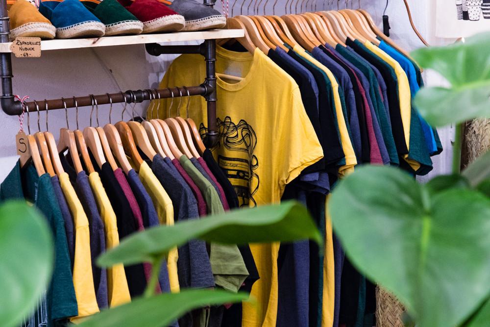 Corner t-shirt homme - Concept store Marseille - Boutique cadeaux Trois Fenêtres