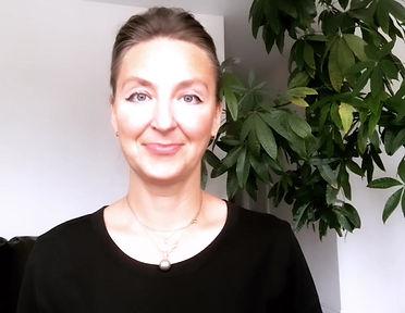 Преподаватель Ирина