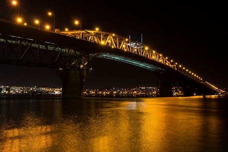 AKL harbour bridge.jpg