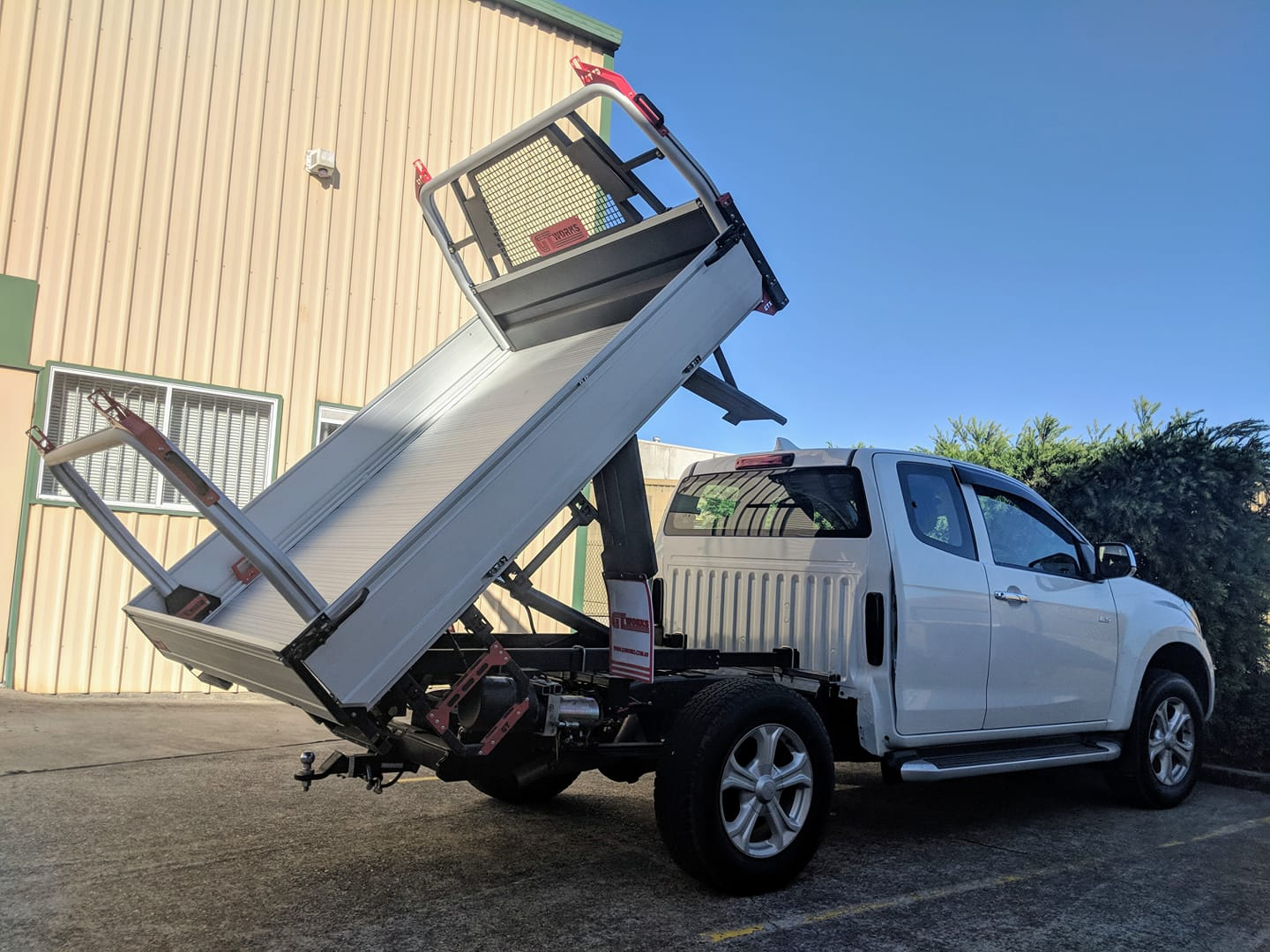 GTWORKS GTX EXTREME DMAX KING CAB TIPPER