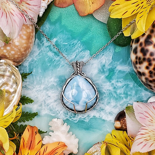 Larimar Pendant in Woven Silver Frame - Swirly Detailed Back