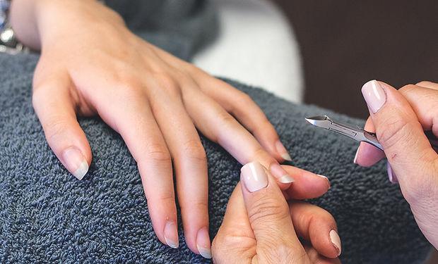 Manicure_Handpflege_Fusspflege_Avous_Cos