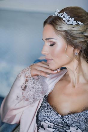 Bridal glowy makeup look, bridal hair style, romantic hair style