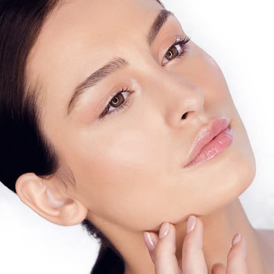 Natural makeup, beauty makeup, glowy skin