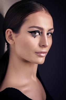 creative makeup, eyeliner, cateyes makeup