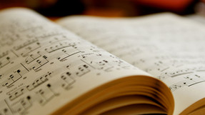 Entrevistan a nuestro profesor de música Don Roberto Rabasco.