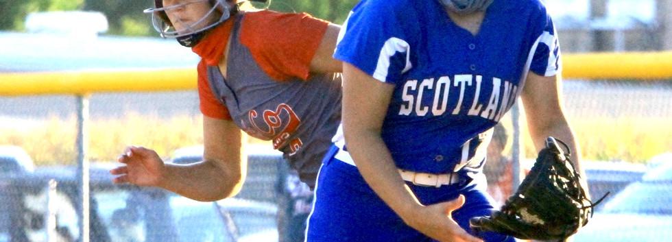 Kiara Brunk leads off first base.jpg