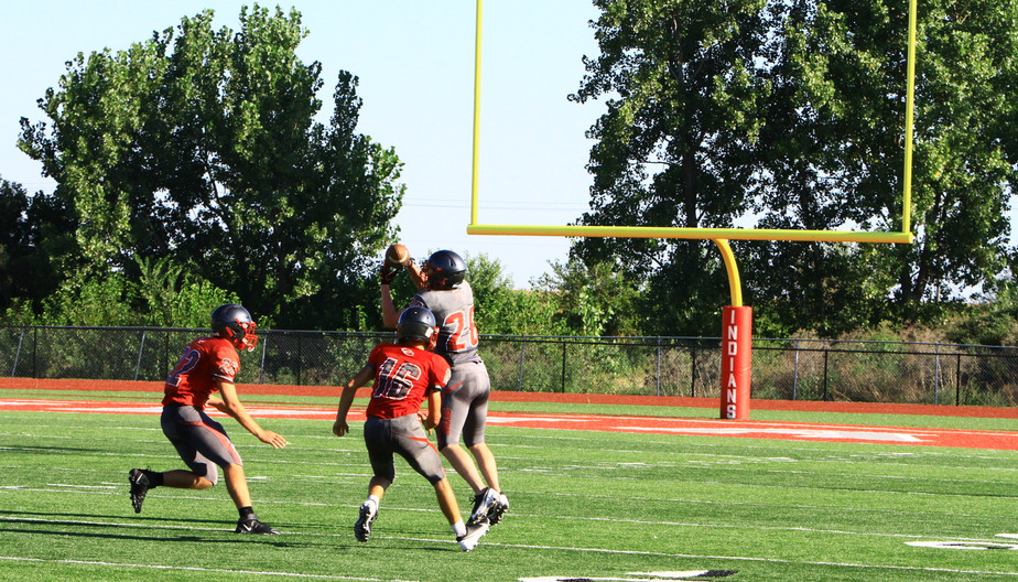 #28 Kaleb Nixon Catches Pass guarded by