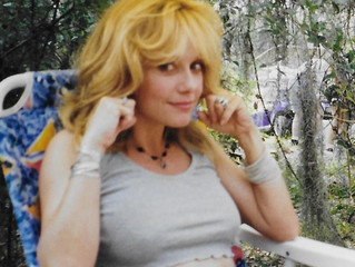 Fantasm Exclusive! Unseen Linnea Quigley Photos