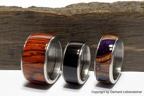 Holzring mit Edelstahl-Einfassung