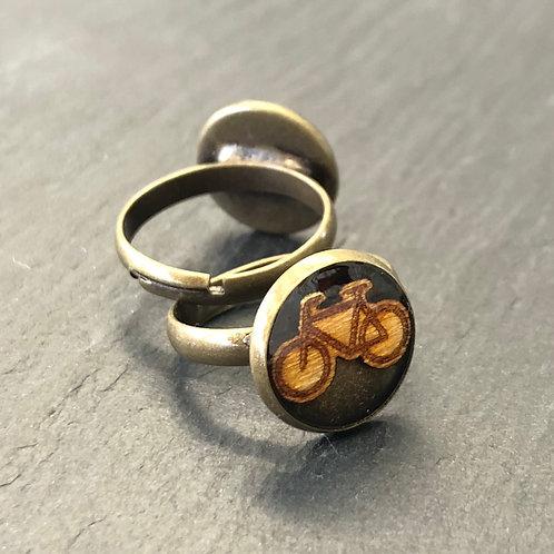 Ring mit Holzinlay