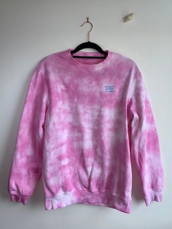 Sunset pink tie dye wavy sweatshirt - £30
