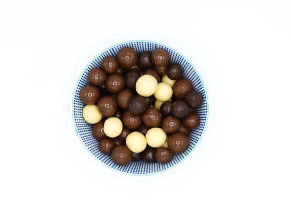 Chocolade rijstbollen gemengd