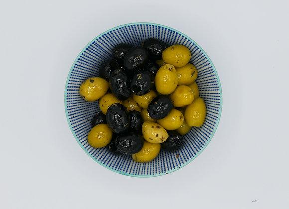 Huisgemarineerde Provençaalse olijven