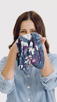 Multi-Funktions-Tuch als Headband, Stirnband getragen. Die Fristur sitzt mit Tube.