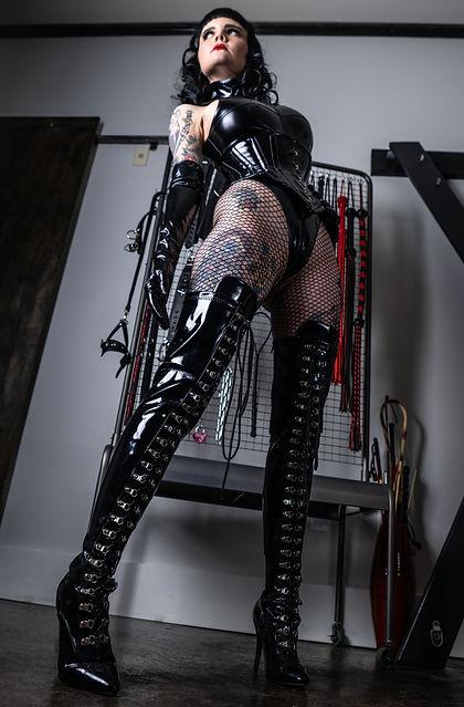 Dallas Dominatrix Mistress Petra Hunter