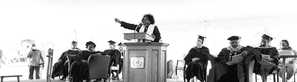 2020-graduate-alumni-speaker_edited.jpg